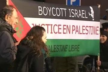 Les manifestants réclament le boycott militaire d'Israel