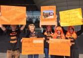 2015-5-27_orange_protest_paris