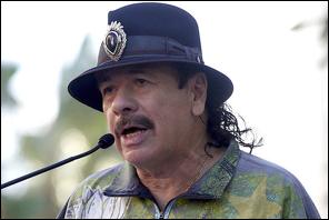 Carlos Santana (Credit: Reuters/Mario Anzuoni)